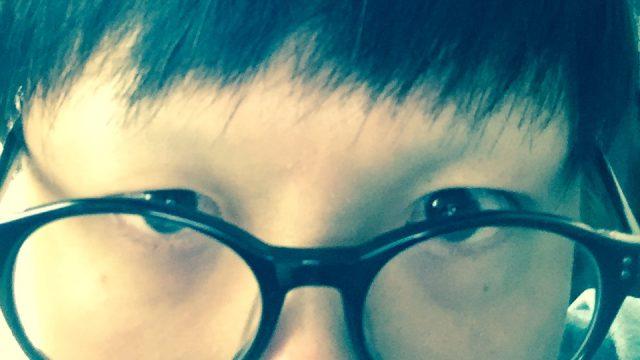 眉毛を剃った